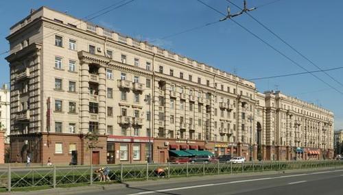 Сталинский дом на Московском проспекте в Петербурге